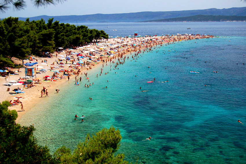 Zlatni Rat-Aa unique beach in Croatia 03