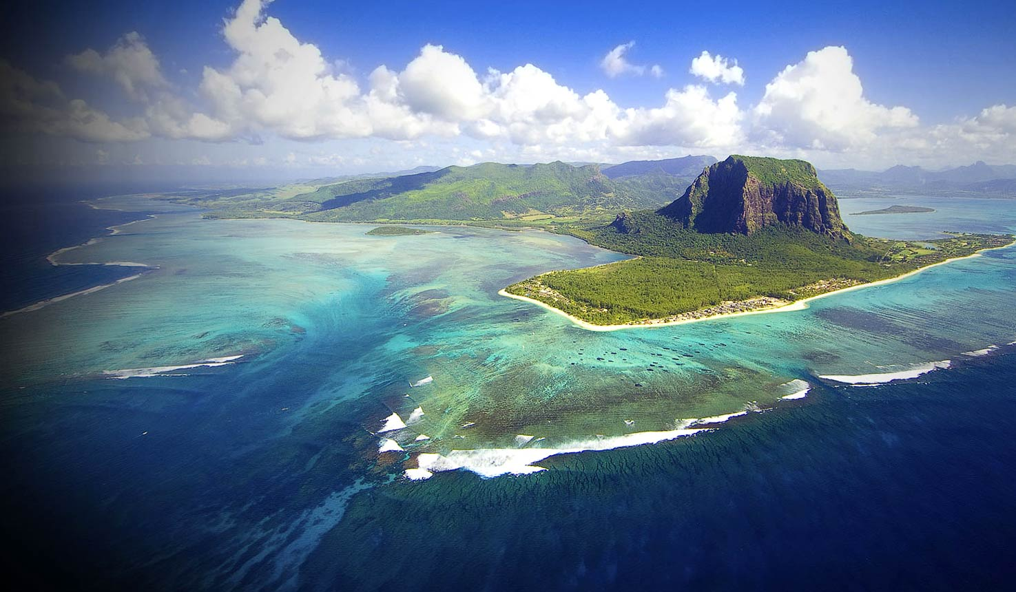 Africa Vacation Paradise- Rich And Alive Mauritius