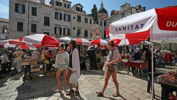 Gundulićeva poljana Market-Dubrovnik shopping guide