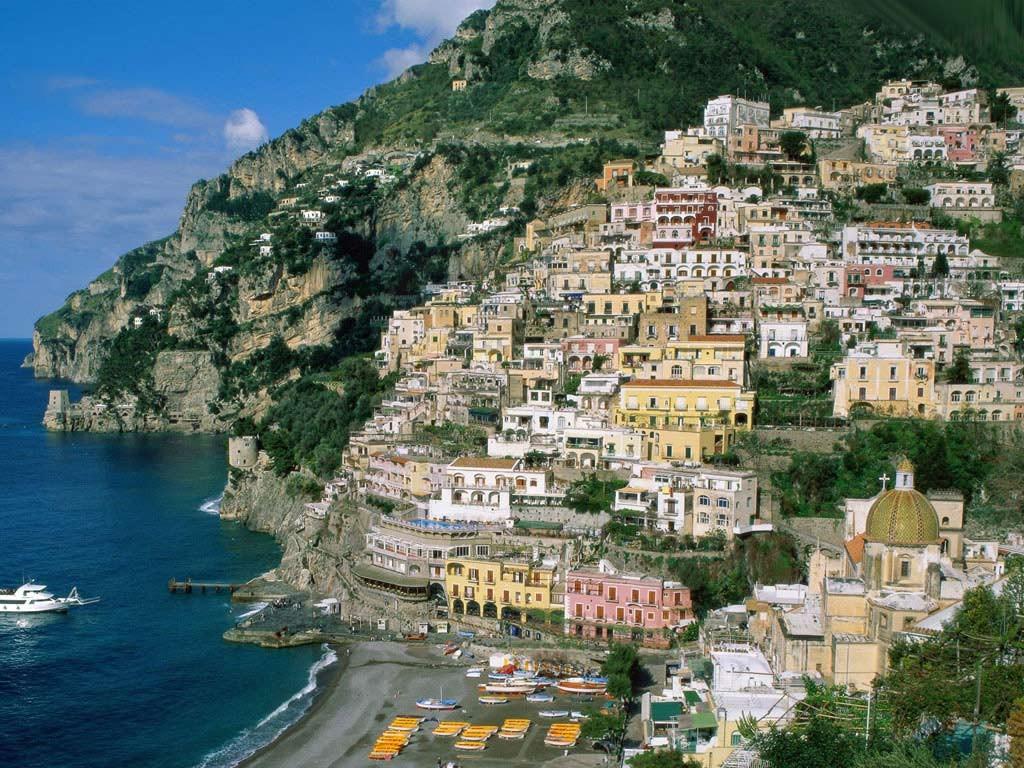 Capri island- enjoyyourself in such a beautiful island