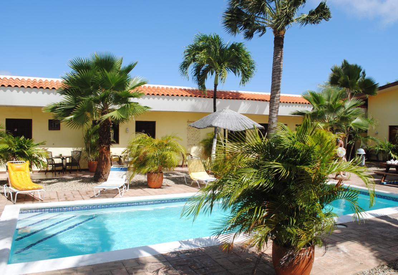 Budget caribbean hotel-Arubiana Inn