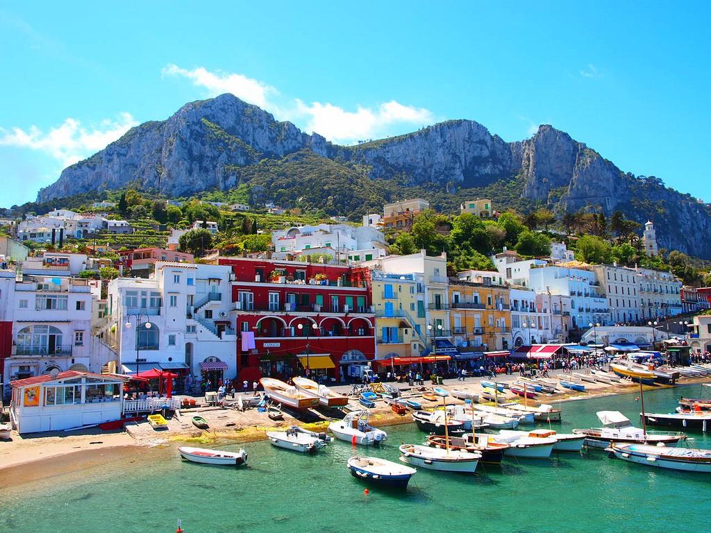 Capri island- enjoyyourself in such a beautiful island 02