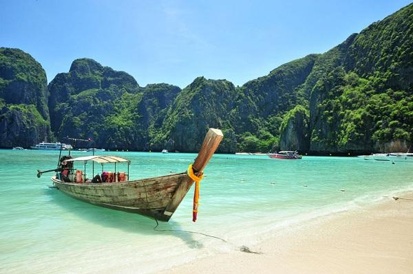 Cat Ba island-stunning place of Vietnam 03